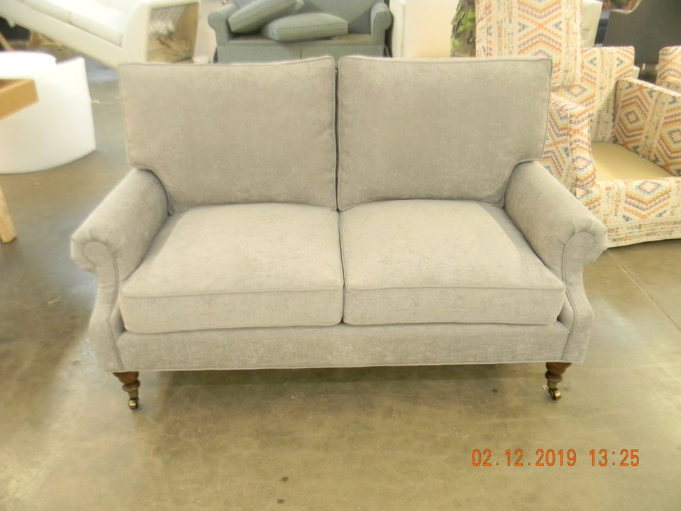 HF-3900 LS - Loveseat, Curve Back Roll A.